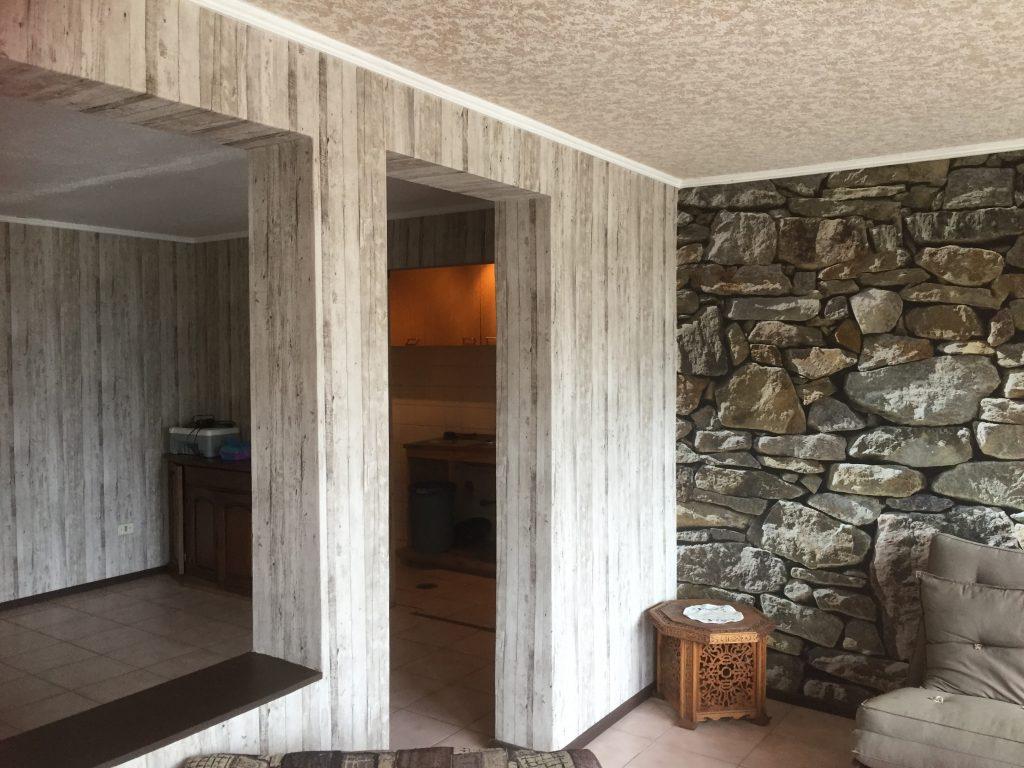Fotomural piedra y madera2